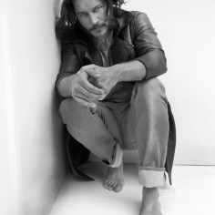 Travis-Fimmel-Vikings-5
